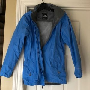 The North Face girl Youth XL rain jacket with hood